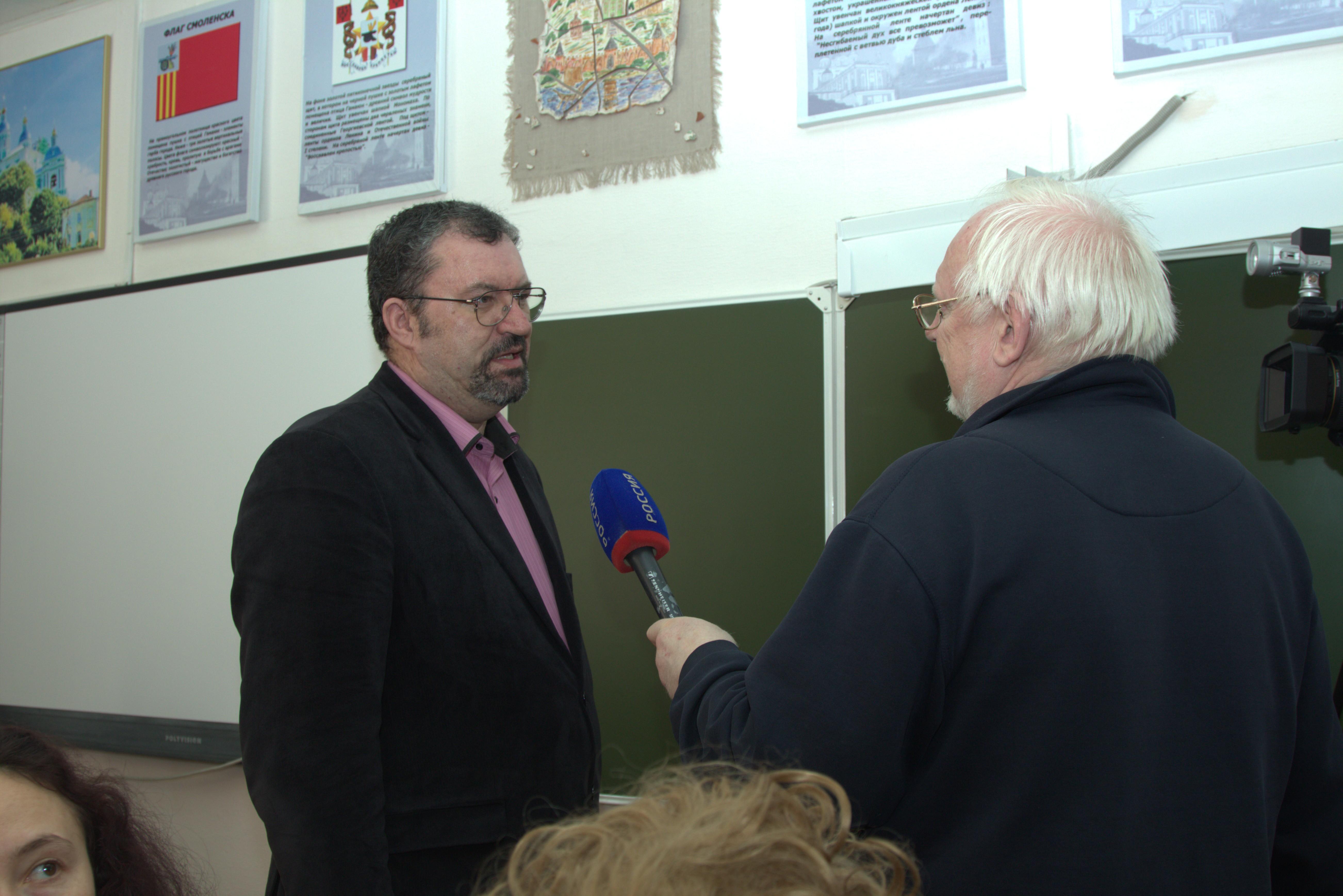 В.А.Карнюшин с коррепондентов ВГТРК Смоленск Новиковым