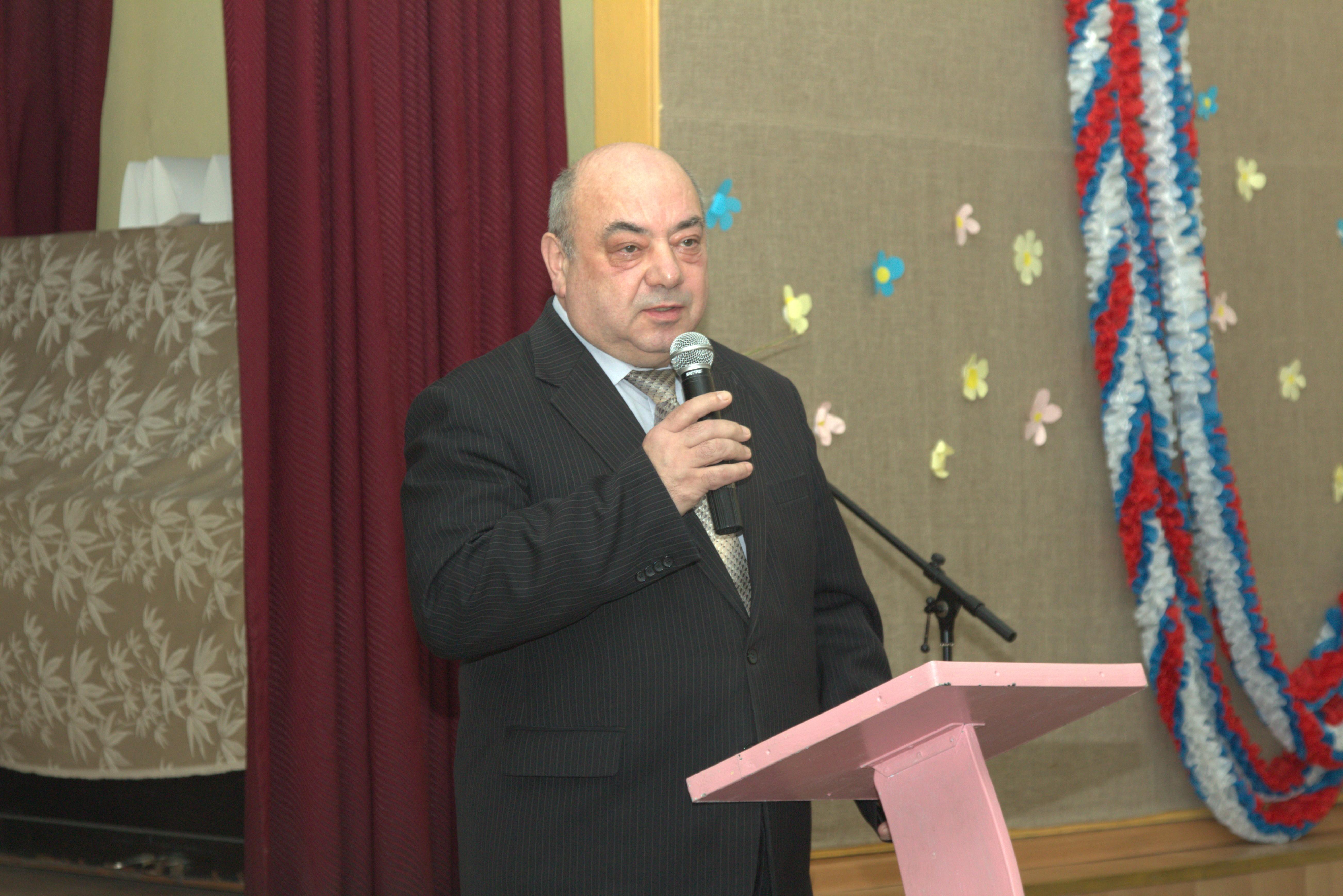 участников конференции приветствует первый заместитель главы города Смоленска Д.Я.Левант